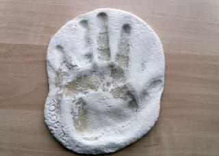 Экономим: как сделать слепок руки в домашних условиях