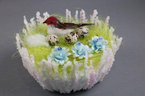 Декор к пасхе своими руками. Необычное пасхальное гнездо из воска. Мастер-класс.