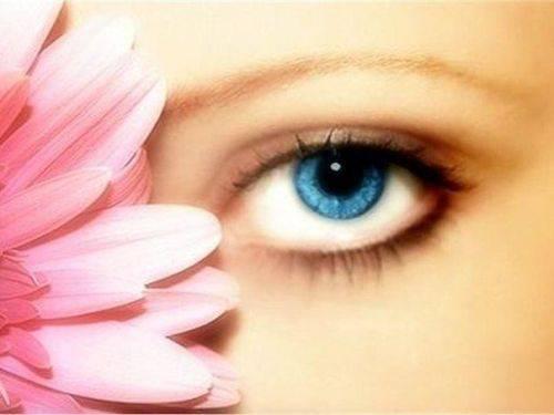 Сегодня позаботимся о красоте наших глаз