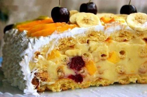 Фруктовый торт - вкусно и красиво.