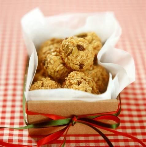Готовим домашнее овсяное печенье с черносливом