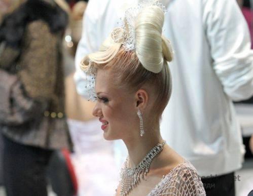 свадебные прически 2011 с шальеном