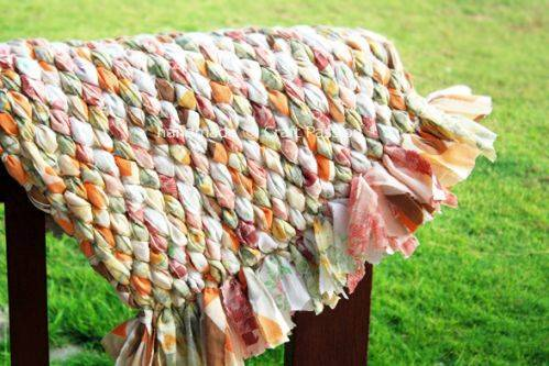 Еще одна идея. Плетеный коврик.