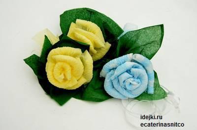 Как сделать розу из салфетки. Мастер класс.