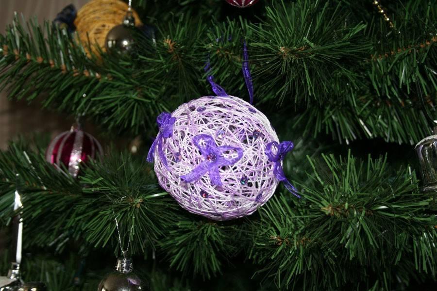 Новогодний шар-паутинка на елку