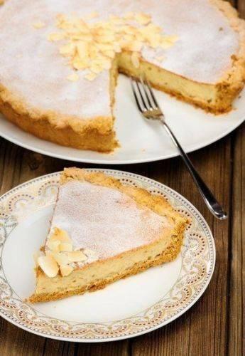 Необыкновенный пирог с творогом и бананом (рецепт)