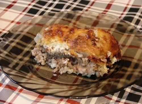 Ароматная курица с гречкой под сырной корочкой