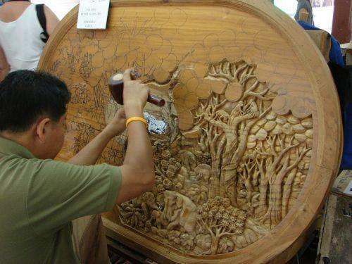 Чудесные фигурки из дерева