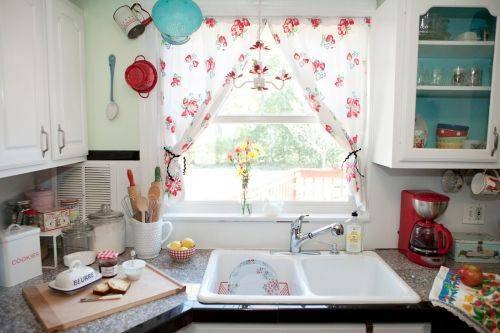 b2ap3_thumbnail_color-kitchen-curtains.jpg