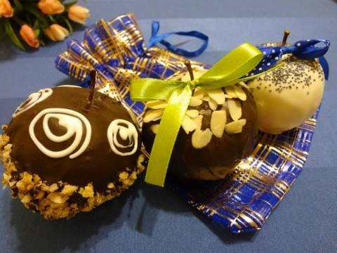 Яблочки в шоколаде - отличный подарок!