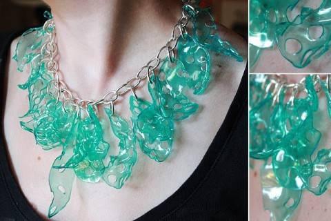 Вы не поверите, но это украшение сделано из пластиковых стаканчиков!!!