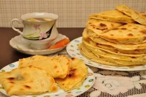 Татарское национальное блюдо - кыстыбый