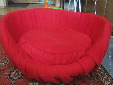 Удобное кресло из папье-маше